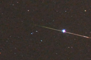 Orion meteor crosses Sirius, Oct 21, 2009